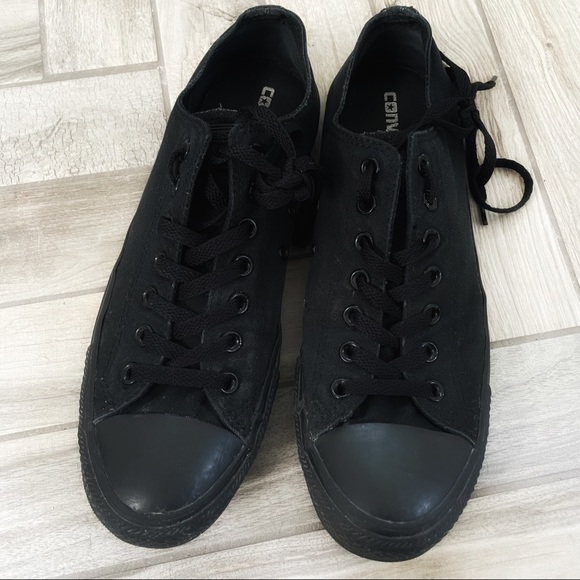 Converse Black on Black Low Top